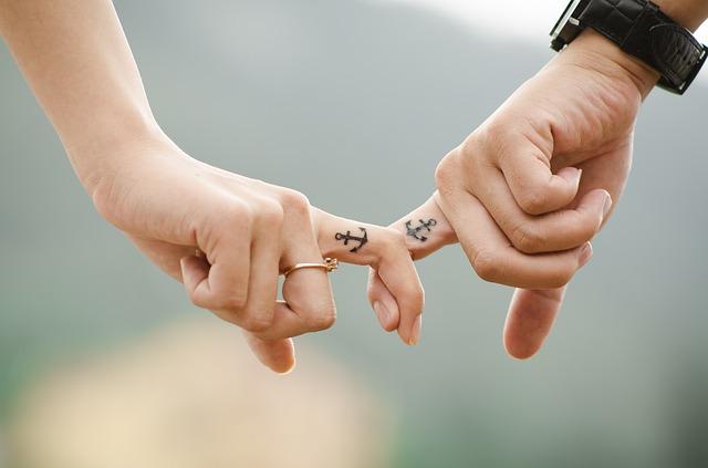 tetované ukazováčky